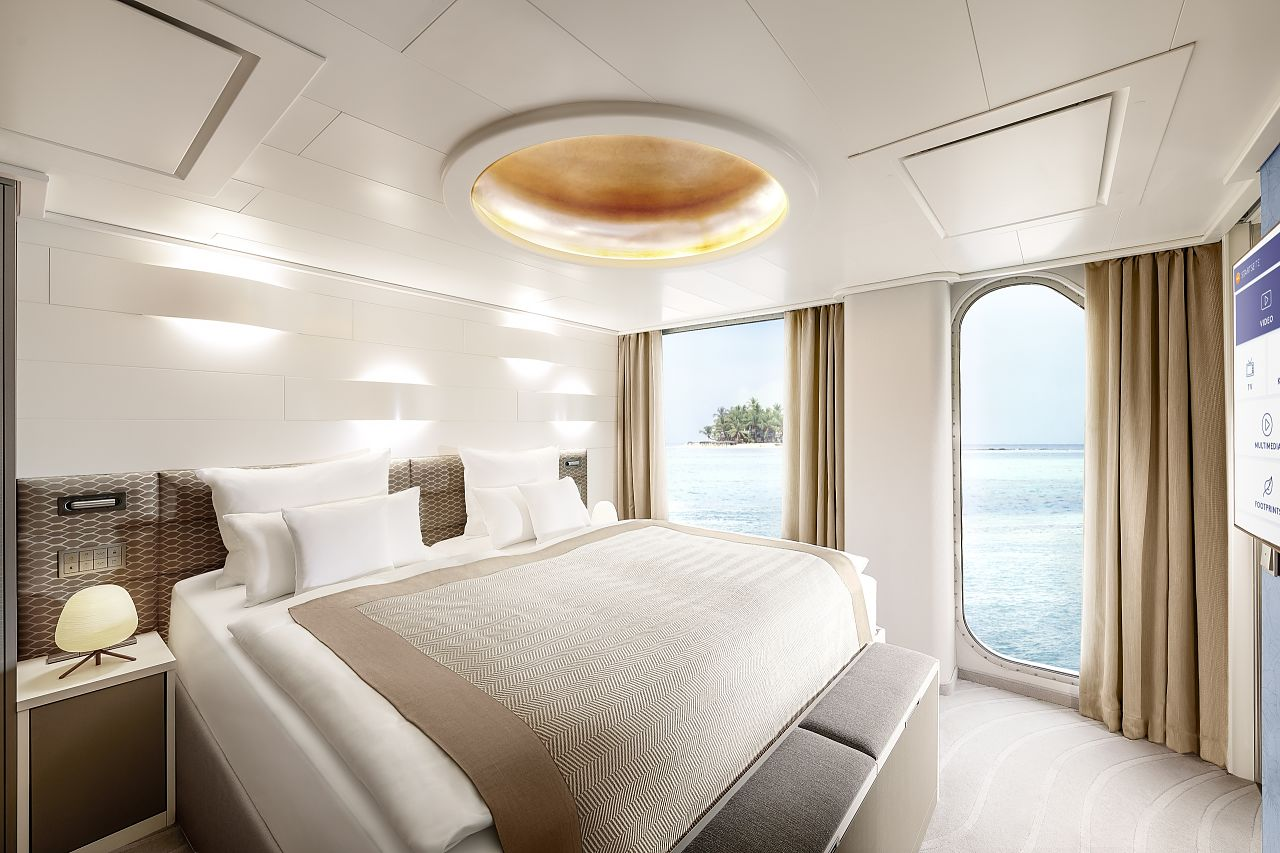 Hapag Lloyd HANSEATIC nature Grand Suite Schlafbereich